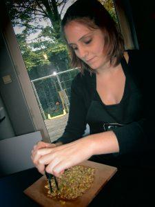 Emilie recette fondant au chocolat noir pistaches hachées