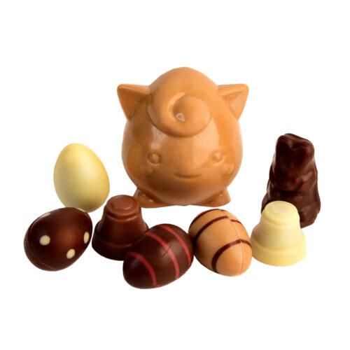 monstre et oeufs en chocolat carre noir