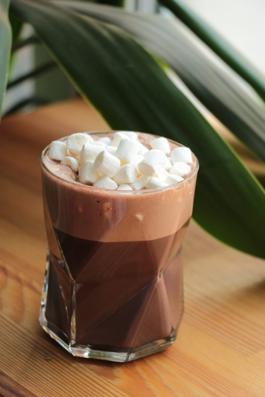 chocolat chaud carré noir